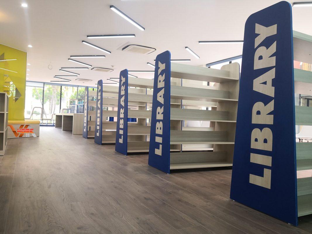 kệ sách thư viện